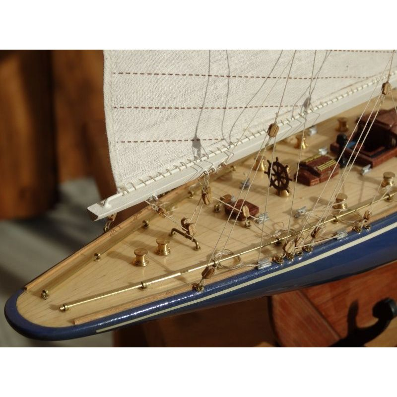 Endeavour 1934 With Tools 1 80 Wooden Boat Amati 1700 10