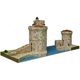 La Rochelle (France) 5800pcs Aedes ceramic model towers