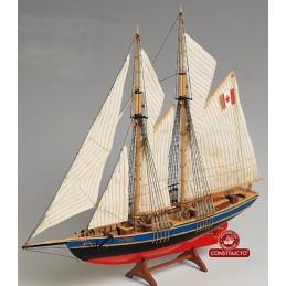 Bluenose II 1/135 bateau bois + outils, peinture Constructo